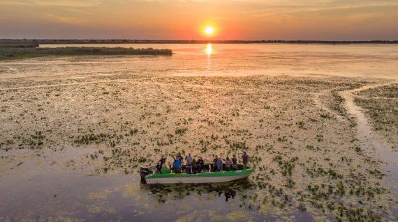 Barcă în Delta Dunării