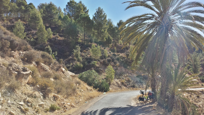 O tura pe bicicleta in Maroc