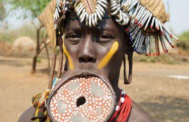 Woman+from+Mursi+Tribe