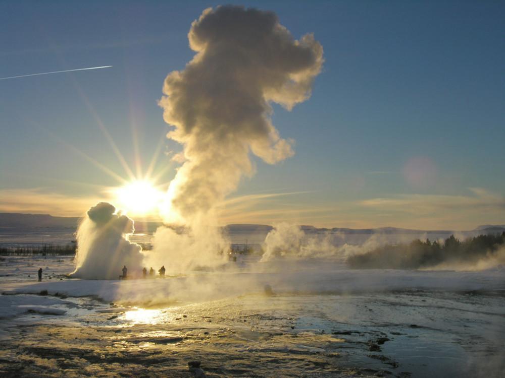 Marele Geysir nu trebuie ratat intr-o vacanta in Islanda