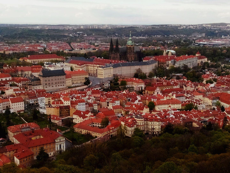 Praga vazuta din turnul Petrin