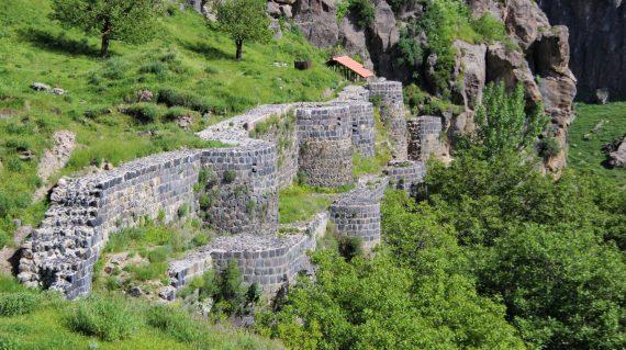 Fortăreața Bjni