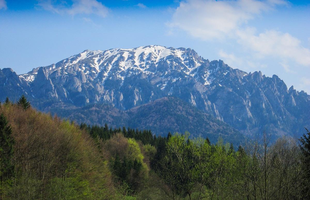 Masivul Ciucaș văzut dinspre Dălghiu