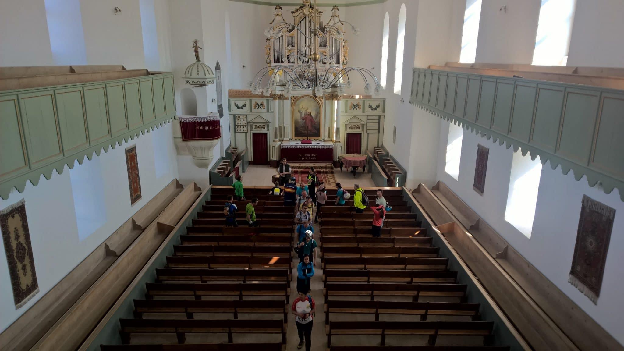Interiorul bisericii fortificaate din Bod