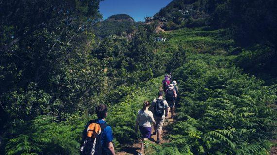 Drumeție în munții Anaga