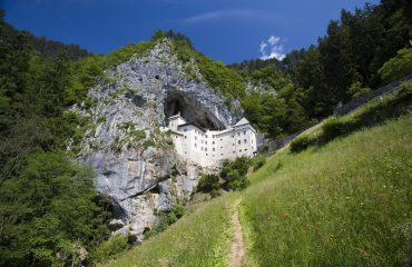 Cu bicicleta în Slovenia - Castelul Predjama